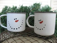 snowman mugs - so cute and simple!