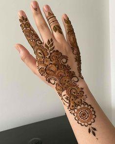 Pretty Henna Designs, Modern Henna Designs, Floral Henna Designs, Henna Tattoo Designs Simple, Arabic Henna Designs, Mehndi Designs Feet, Legs Mehndi Design, Latest Bridal Mehndi Designs, Full Hand Mehndi Designs