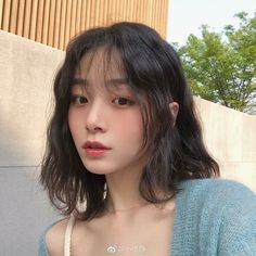 ulzzang girl girls woman women aesthetic korean japanese chinese beauty pretty beautiful lifestyle ethereal beauty girls east asian minimalistic grunge soft pastel light cute adorable 울짱 여자 r o s i e Kpop Short Hair, Ulzzang Short Hair, Asian Short Hair, Girl Short Hair, Short Hair Korean Style, Ulzzang Hairstyle, Korean Wavy Hair, Japanese Short Hair, Kpop Hair