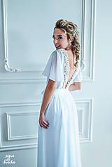 Šaty - Svadobné šaty s holým chrbátom a volánovými rukávmi - 9513961_