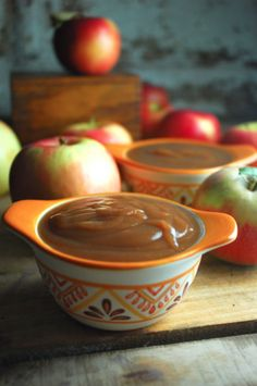 Slow Cooker Apple Butter is sure to melt the stress of this coming week away in a jiffy. Spread on english muffins or bread for a yummy treat. #CrockPot
