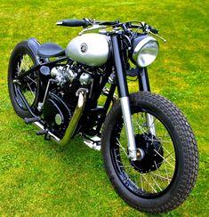 So good looking So gutaussehend Xs650 Bobber, Triumph Bobber, Sr500, Bobber Bikes, Yamaha Motorcycles, Bobber Motorcycle, Custom Motorcycles, Custom Bikes, Scrambler
