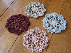 ドレッシーコースター♪の作り方|編み物|編み物・手芸・ソーイング | アトリエ|手芸レシピ16,000件!みんなで作る手芸やハンドメイド作品、雑貨の作り方ポータル