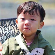 Dad ate my sausage! Superman Meme, Superman Cast, Superman Kids, Korean Babies, Asian Babies, Cute Kids, Cute Babies, Kids Boys, Baby Kids