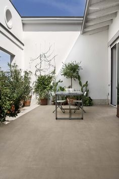 Casa dolce casa-Casamood is the Florim brand where quality and creativity find a perfect balance. Back Gardens, Small Gardens, Outdoor Gardens, Outside Living, Outdoor Living, Outdoor Decor, Outdoor Pavers, Tiles Uk, Patio Tiles