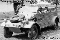 This VW-Kübelwagen was most probably photographed on the east front in The vehicle belonged to Panzer Division. Interestingly, the rims were painted in grey whereas the rest of the vehicle was painted in the newer shade Dunkelgelb nach Muster. Super 4, Germany Ww2, Volkswagen Models, Vw Vintage, Ferdinand Porsche, Military Equipment, German Army, World War Two, Motor