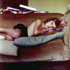 ginandbird:    mpdrolet:    From Sofa Portraits  Colin Pantall    love this series…
