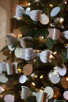 DIY Paper Bow Christmas Tree Ornament Tutorial with Free Template