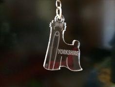 Llavero Yorkshire de metraquilato, es como una joyita..y puedes personalizarlo con el nombre de tu pequeño..encuentralo por solo 5 euros en.. https://www.facebook.com/pages/Schnauzer-MINI-Merchandising/1488670871347549?ref=hl