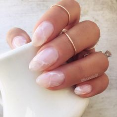 Beauty Trend - Crystal Nails, rose quartz nails The hottest new nail art trend for 2017 is crystal nails! Rose quartz, amethyst, geode nail art, gem stone nails are super hot right now! Rose Quartz Nails, Almond Nails Designs, Nagellack Trends, Marble Nail Art, Pink Marble, Black Marble, How To Marble Nails, Crystal Nails, Clear Nails