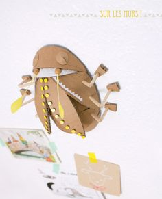 bug-cardoard-decoration-carton