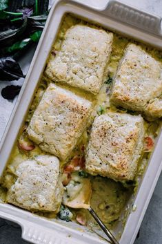This Easy Broccoli Cheddar Cobbler is one of the coziest, most warming recipes you could ever hope you make – perfect when you want to. The post Easy Broccoli Cheddar Cobbler appeared first on My Kitchen Little. Winter Dinner Recipes, Healthy Dinner Recipes, Vegetarian Recipes, Vegetarian Casserole, Schuster, Broccoli Cheddar, One Pan Meals, Cooking Together, Just Cooking