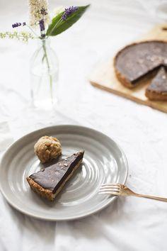 salted chocOlate tart (vegan/gluten-free)