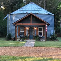 Silo house - Build A Silo Guest House This Summer – Silo house Silo House, Tiny House Cabin, Tiny House Design, Tiny Guest House, Guest House Plans, Guest Cabin, Barn House Plans, Style At Home, Casas Containers