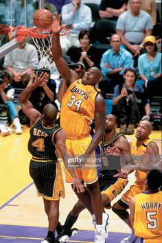 Basketball Legends, Basketball Court, 2000 Nba Finals, Lakers Vs Pacers, Shaq And Kobe, Famous Sports, Nba Stars, Shaquille O'neal, Indiana Pacers