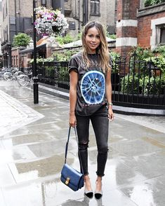 Rock tee ( from Backstage Originals in Notting Hill) and @shop_sincerelyjules Brooklyn jeans. ❤️ | shopsincerelyjules.com