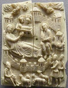 Nativity, carved in walrus tooth ivory Geburt Christi / Köln, um 1160 / 1170, Walroßzahn, Reliefplatte, 15 x 11 cm