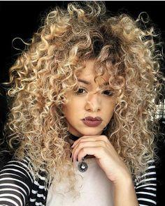 "890 Me gusta, 5 comentarios - Instablog Cachosjw  (@amazingcurls) en Instagram: ""Booom Diiaaaa meus Amores com a Ray sempre Lindaaa #cachosjw #curls #cachos #instacurls…"" Dyed Curly Hair, Crimped Hair, Colored Curly Hair, Curly Hair Styles, Natural Hair Styles, Biracial Hair, Undercut Hairstyles, Hair Repair, Crazy Hair"