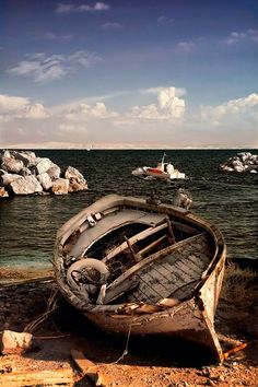 Old wooden boat beach cloudy clouds rocks water beauty of Nature peaceful silence weathered cracks abandoned Old Boats, Small Boats, Boat Building Plans, Boat Plans, Boat Art, Boat Painting, Wooden Boats, Water Crafts, Landscape Photos