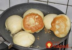 Salzige Dampfnudeln Salty Steamed Noodles (recipe with picture) by t_segler Recipes With Yeast, Great Recipes, Cooking Recipes, Favorite Recipes, German Bread, Good Food, Yummy Food, British Baking, Beignets