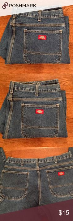 Mens Dickies Carpenter Pants 36X30, belt loops, 3 front pockets and 2 back pockets, carpenter style, excellent condition. Dickies Jeans