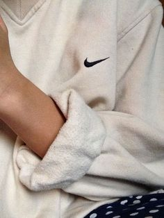 Sweater: retro vintage v neck sweatshirt comfy oversized nike top white cool sportswear sweat nike