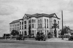 The 1894 Karnes County Courthouse in Karnes City, Texas  1939 Photo courtesy TXDoT