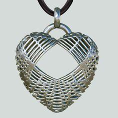 Herzanhänger Net Heart  -  - exklusiver, extravaganter, erotischer Silberanhänger - Herzanhänger  https://www.etsy.com/de/listing/208253069/herzanhanger-net-heart-exklusiver?ref=related-0&utm_content=bufferc8eb0&utm_medium=social&utm_source=pinterest.com&utm_campaign=buffer #Herz #heart #ErosFineArt #love #erotic #Silver #jewelry #jewellery #BDSM #Fetish #Fetisch