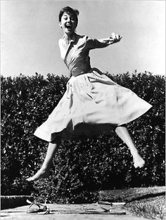 See stars like Marilyn Monroe, Grace Kelly, and Audrey Hepburn jump for celebrated portrait photographer Philippe Halsman.
