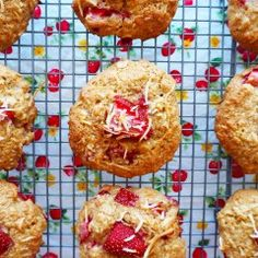 strawberry coconut cookies