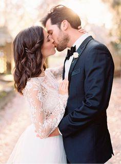 Conheça 10 origens e significados casamento beijo
