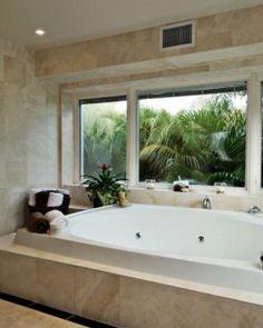 I want to go swim in that tub! Hale O'Ho'okipa - Oahu, Hawaii