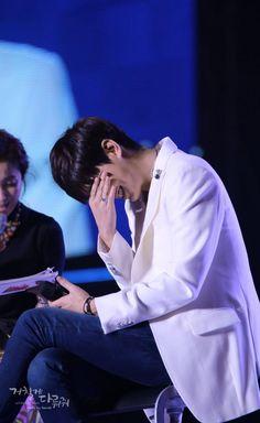 Lee Min Ho guapo en blanco en Concierto Lotte Familia