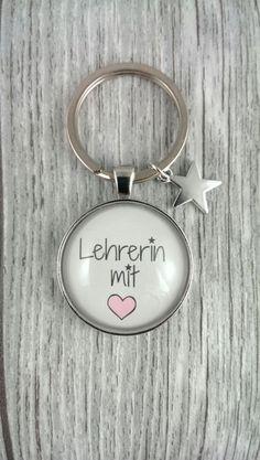 Schlüsselanhänger - 1 Schlüsselanhänger Lehrerin mit ♥ - ein Designerstück von nanni74 bei DaWanda