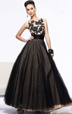 Sherri Hill dresses are designer gowns for television and film stars. Find out why her prom dresses and couture dresses are the choice of young Hollywood. Sherri Hill Prom Dresses, Black Prom Dresses, Tulle Prom Dress, Bridesmade Dresses, Black Skirts, Lace Dresses, Cheap Dresses, Homecoming Dresses, Dress Black