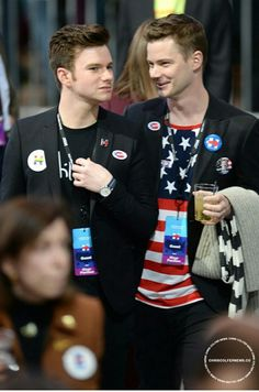 Chris Colfer and Will Sherrod at Hillary Clinton's election night event in New York City Chris Colfer, Darren Criss Glee, Glee Memes, Chord Overstreet, Best Authors, Glee Cast, Cory Monteith, Sarah Michelle Gellar, Celebrity Moms
