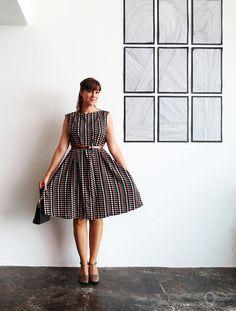 DIY Easy 1950s Vintage Style Dress - FREE Sewing Pattern / Tutorial
