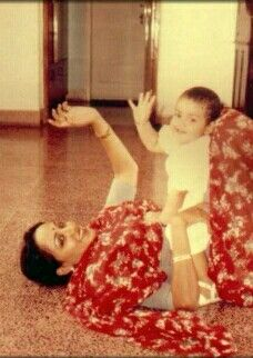 Throwback Thursday! This pic of mommy Hema Malini playing with little Esha is too cute for words! http://www.pinkvilla.com/entertainment/photos/366096/throwback-thursday-pic-mommy-hema-malini-playing-little-esha-too-cute