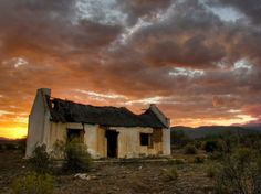 the beautiful peacefull Karoo - South Africa Old Buildings, Abandoned Buildings, Abandoned Places, Beautiful Buildings, Beautiful Landscapes, Beautiful Places, Landscape Photos, Landscape Paintings, Landscape Photography