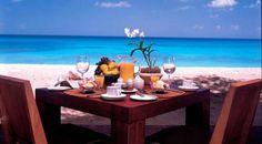 Buongiorno!!  Visto che siamo quasi al fine settimana….vi portiamo la colazione in spiaggia!!!  Buona giornata a tutti. :))