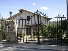 Property for sale in Abruzzo Roccamontepiano Italy - Country House.  http://www.italianhousesforsale.com/property-italy-roccamontepiano-abruzzo-1700.html