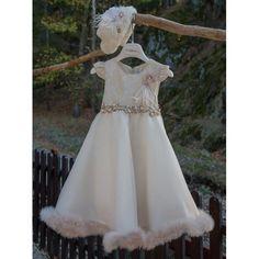 Βαπτιστικό φόρεμα Χειμερινό Mi Chiamo σε μπεζ απόχρωση με γούνινο καπέλο, Χειμωνιάτικο φόρεμα βαπτιστικό επώνυμο-μοντέρνο-οικονομικό, Βαπτιστικά ρούχα κορίτσι Χειμερινά τιμές-προσφορά Girls Dresses, Flower Girl Dresses, Wedding Dresses, Fashion, Dresses Of Girls, Bride Dresses, Moda, Bridal Gowns, Fashion Styles