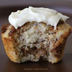 Gluten-free Cinnamon Muffin with Cream Cheese Frosting Bite Gluten Free Recipes For Breakfast, Gluten Free Muffins, Gluten Free Sweets, Gluten Free Breakfasts, Gluten Free Baking, Gluten Free Egg Rolls, Cinnamon Roll Muffins, Cinnamon Bread, Cinnamon Rolls