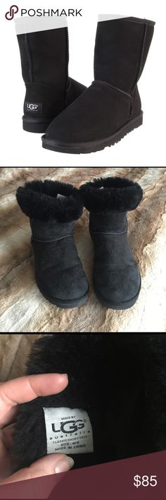 UGG Classic Short Black Boots Suded Sheepskin 8 This is a gently worn pair of authentic UGG Australia boots. All black color. Size 8. I am a size 9 and they fit perfectly. No major wear or any rips or smells. Suede and sheepskin. No trades please 💕 UGG Shoes Winter & Rain Boots