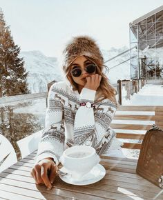 23 Fantastic Winter Trends Ideas To Try Right Now photography 23 Fantastic Winter Outfit Ideas To Try Right Now Winter Mode Outfits, Winter Fashion Outfits, Ski Outfits, Winter Snow Outfits, Snow Day Outfit, Outfit Winter, Mode Au Ski, Winter Stil, Cozy Winter