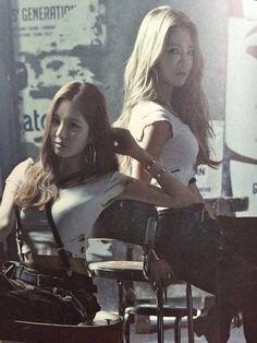 150422 Catch me if you can CD Photos book SNSD - Seohyun Hyoyeon
