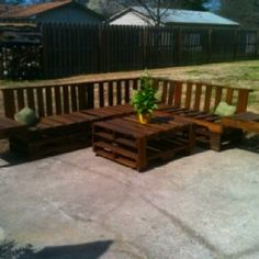 Outdoor Seating Made From Pallets | Outdoor seating area from old pallets.