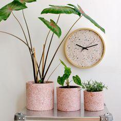 Cement Art, Concrete Crafts, Concrete Art, Concrete Projects, Terrazzo, Diy Concrete Planters, Diy Beauté, Interior Plants, Plant Design