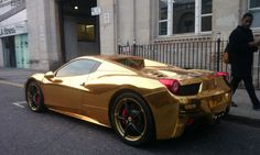 Ferrari 458 Spider ricoperta d'oro!