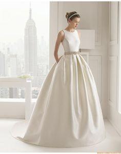 2015 Exklusive Schlichte Lange Brautkleider aus Satin mit Perlenstickerei